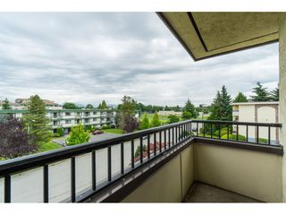 "Photo 19: 305 20460 54 Avenue in Langley: Langley City Condo for sale in ""WHEATCROFT MANOR"" : MLS®# R2363147"