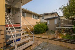 Photo 15: 7375 NEWCOMBE Street in Burnaby: East Burnaby House for sale (Burnaby East)  : MLS®# R2363633