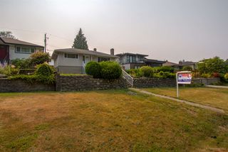 Photo 20: 7375 NEWCOMBE Street in Burnaby: East Burnaby House for sale (Burnaby East)  : MLS®# R2363633