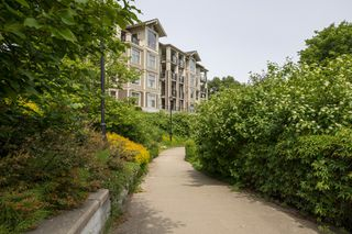 "Photo 23: 102 240 FRANCIS Way in New Westminster: Fraserview NW Condo for sale in ""THE GROVE AT VICTORIA HILL"" : MLS®# R2371284"