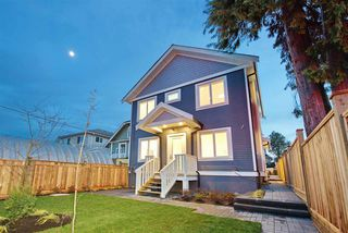 Photo 19: 2876 CLARKE Street in Vancouver: Renfrew Heights House 1/2 Duplex for sale (Vancouver East)  : MLS®# R2377167