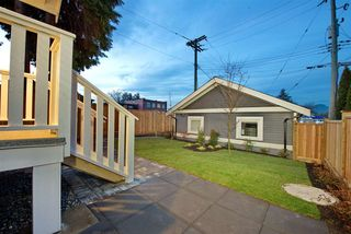 Photo 20: 2876 CLARKE Street in Vancouver: Renfrew Heights House 1/2 Duplex for sale (Vancouver East)  : MLS®# R2377167