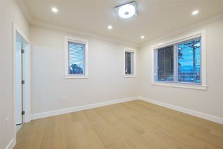 Photo 14: 2876 CLARKE Street in Vancouver: Renfrew Heights House 1/2 Duplex for sale (Vancouver East)  : MLS®# R2377167