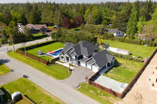 "Photo 2: 5627 244B Street in Langley: Salmon River House for sale in ""Strawberry Hills"" : MLS®# R2377021"