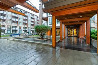"""Photo 6: 203 5983 GRAY Avenue in Vancouver: University VW Condo for sale in """"SAIL 1"""" (Vancouver West)  : MLS®# R2383362"""