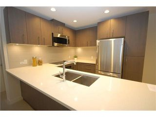 """Photo 3: 203 5983 GRAY Avenue in Vancouver: University VW Condo for sale in """"SAIL 1"""" (Vancouver West)  : MLS®# R2383362"""