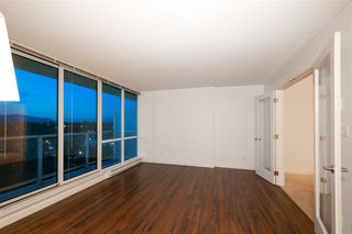 "Photo 5: 1505 13688 100 Avenue in Surrey: Whalley Condo for sale in ""PARK PLACE 1"" (North Surrey)  : MLS®# R2383904"