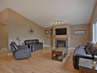 Photo 3: 106 COPPERHEAD Place: Stony Plain House for sale : MLS®# E4164484