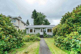 Photo 2: 6856 HUMPHRIES Avenue in Burnaby: Highgate House for sale (Burnaby South)  : MLS®# R2394536