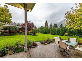 """Photo 18: 5032 WHITEWATER Place in Sardis - Chwk River Valley: Chilliwack River Valley House for sale in """"RIVERBEND"""" (Sardis)  : MLS®# R2411359"""