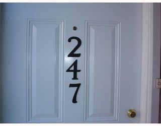 Photo 1: 247 LANCASTER Terrace in Edmonton: Zone 27 Carriage for sale : MLS®# E4180669