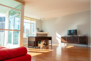 Photo 10: DOWNTOWN Condo for sale : 2 bedrooms : 850 Beech Street #907 in San Diego