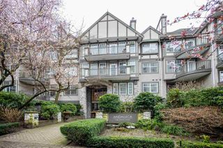 "Photo 3: 301 1388 NELSON Street in Vancouver: West End VW Condo for sale in ""ANDALUCA"" (Vancouver West)  : MLS®# R2444848"
