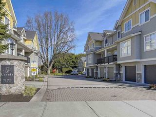 Photo 1: 44 7171 STEVESTON Highway in Richmond: Broadmoor Townhouse for sale : MLS®# R2447182