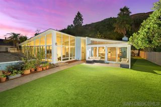 Main Photo: PACIFIC BEACH House for sale : 3 bedrooms : 4950 Pacifica Dr in San Diego
