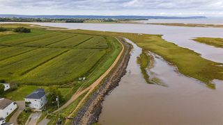 Photo 3: 33 Harbourside Drive in Wolfville: 404-Kings County Commercial for sale (Annapolis Valley)  : MLS®# 202019904