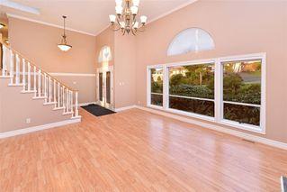 Photo 2: 833 Maltwood Terr in : SE Broadmead House for sale (Saanich East)  : MLS®# 862193