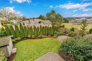 Photo 23: 833 Maltwood Terr in : SE Broadmead House for sale (Saanich East)  : MLS®# 862193
