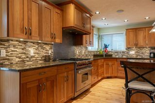 Photo 12: 2403 WALBRAN Pl in : CV Courtenay East House for sale (Comox Valley)  : MLS®# 862443