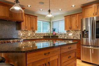 Photo 13: 2403 WALBRAN Pl in : CV Courtenay East House for sale (Comox Valley)  : MLS®# 862443