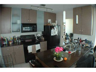 """Photo 4: 806 928 HOMER Street in Vancouver: Downtown VW Condo for sale in """"YALETOWN PARK 1"""" (Vancouver West)  : MLS®# V872020"""