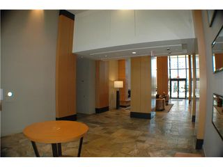 """Photo 7: 806 928 HOMER Street in Vancouver: Downtown VW Condo for sale in """"YALETOWN PARK 1"""" (Vancouver West)  : MLS®# V872020"""