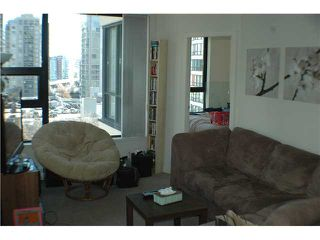 """Photo 3: 806 928 HOMER Street in Vancouver: Downtown VW Condo for sale in """"YALETOWN PARK 1"""" (Vancouver West)  : MLS®# V872020"""