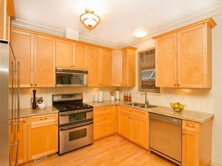 Photo 3: 1961 WHYTE Avenue in Vancouver: Kitsilano House 1/2 Duplex for sale (Vancouver West)  : MLS®# V920180