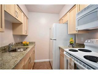 "Photo 5: 104 37 AGNES Street in New Westminster: Downtown NW Condo for sale in ""AGNES COURT"" : MLS®# V927022"