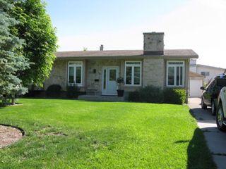 Photo 1: 50 Morningside Drive in Winnipeg: Fort Garry / Whyte Ridge / St Norbert Single Family Detached for sale (South Winnipeg)  : MLS®# 1216498