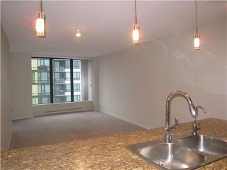 "Photo 4: # 1010 5811 NO 3 RD RD in Richmond: Brighouse Condo for sale in ""ACQUA"" : MLS®# V1040791"