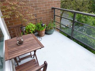 """Photo 7: 303 2181 W 12TH Avenue in Vancouver: Kitsilano Condo for sale in """"THE CARLINGS"""" (Vancouver West)  : MLS®# V1072129"""