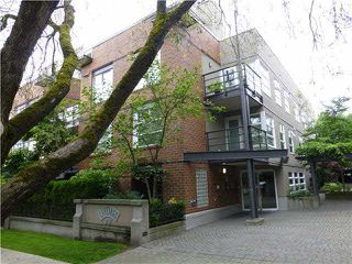 """Photo 1: 303 2181 W 12TH Avenue in Vancouver: Kitsilano Condo for sale in """"THE CARLINGS"""" (Vancouver West)  : MLS®# V1072129"""