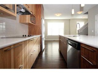 Photo 9: 199 Panatella Square NW in Calgary: Panorama Hills Townhouse for sale : MLS®# C3646555