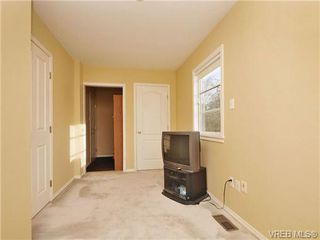 Photo 13: B 1601 Haultain Street in VICTORIA: Vi Oaklands Strata Duplex Unit for sale (Victoria)  : MLS®# 345670