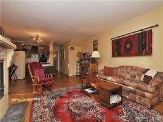 Photo 2: B 1601 Haultain Street in VICTORIA: Vi Oaklands Strata Duplex Unit for sale (Victoria)  : MLS®# 345670