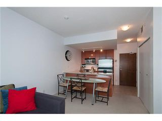 """Photo 12: 1001 168 E ESPLANADE in North Vancouver: Lower Lonsdale Condo for sale in """"ESPLANADE WEST AT THE PIER"""" : MLS®# V1106117"""