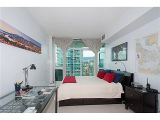 """Photo 16: 1001 168 E ESPLANADE in North Vancouver: Lower Lonsdale Condo for sale in """"ESPLANADE WEST AT THE PIER"""" : MLS®# V1106117"""