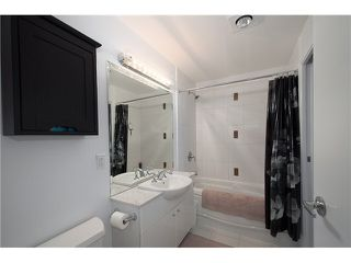 """Photo 17: 1001 168 E ESPLANADE in North Vancouver: Lower Lonsdale Condo for sale in """"ESPLANADE WEST AT THE PIER"""" : MLS®# V1106117"""