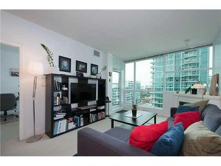 """Photo 3: 1001 168 E ESPLANADE in North Vancouver: Lower Lonsdale Condo for sale in """"ESPLANADE WEST AT THE PIER"""" : MLS®# V1106117"""