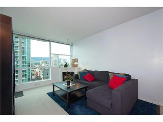 """Photo 2: 1001 168 E ESPLANADE in North Vancouver: Lower Lonsdale Condo for sale in """"ESPLANADE WEST AT THE PIER"""" : MLS®# V1106117"""