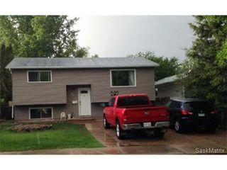Main Photo: 94 Cartier Crescent in Saskatoon: Confederation Park Single Family Dwelling for sale (Saskatoon Area 05)  : MLS®# 528009