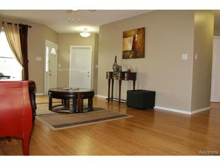 Photo 8: 139 Robson Street in WINNIPEG: Transcona Residential for sale (North East Winnipeg)  : MLS®# 1515873
