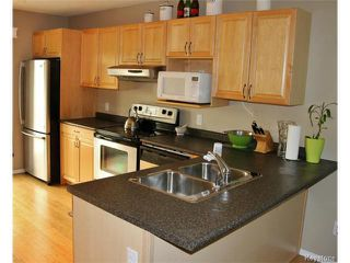 Photo 4: 139 Robson Street in WINNIPEG: Transcona Residential for sale (North East Winnipeg)  : MLS®# 1515873