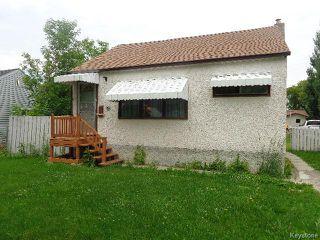 Photo 1: 394 Roseberry Street in WINNIPEG: St James Residential for sale (West Winnipeg)  : MLS®# 1517436
