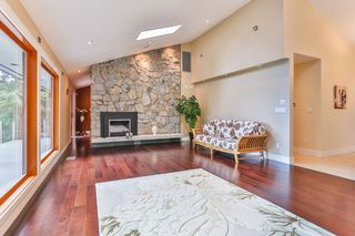 "Photo 3: 465 WESTHOLME Road in West Vancouver: West Bay House for sale in ""WEST BAY"" : MLS®# R2012630"
