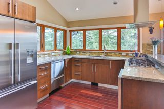 "Photo 10: 465 WESTHOLME Road in West Vancouver: West Bay House for sale in ""WEST BAY"" : MLS®# R2012630"