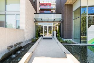 """Photo 2: 516 5955 BIRNEY Avenue in Vancouver: University VW Condo for sale in """"Yu"""" (Vancouver West)  : MLS®# R2027904"""