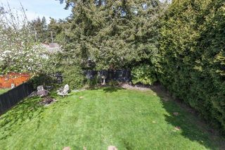 "Photo 19: 12759 27A Avenue in Surrey: Crescent Bch Ocean Pk. House for sale in ""CRESCENT HEIGHTS"" (South Surrey White Rock)  : MLS®# R2055033"