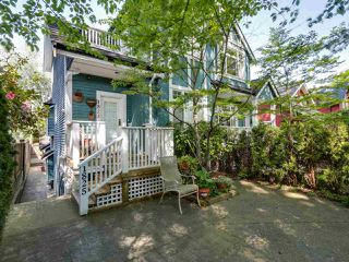 Photo 2: 1825 W 11TH Avenue in Vancouver: Kitsilano Townhouse for sale (Vancouver West)  : MLS®# R2061107